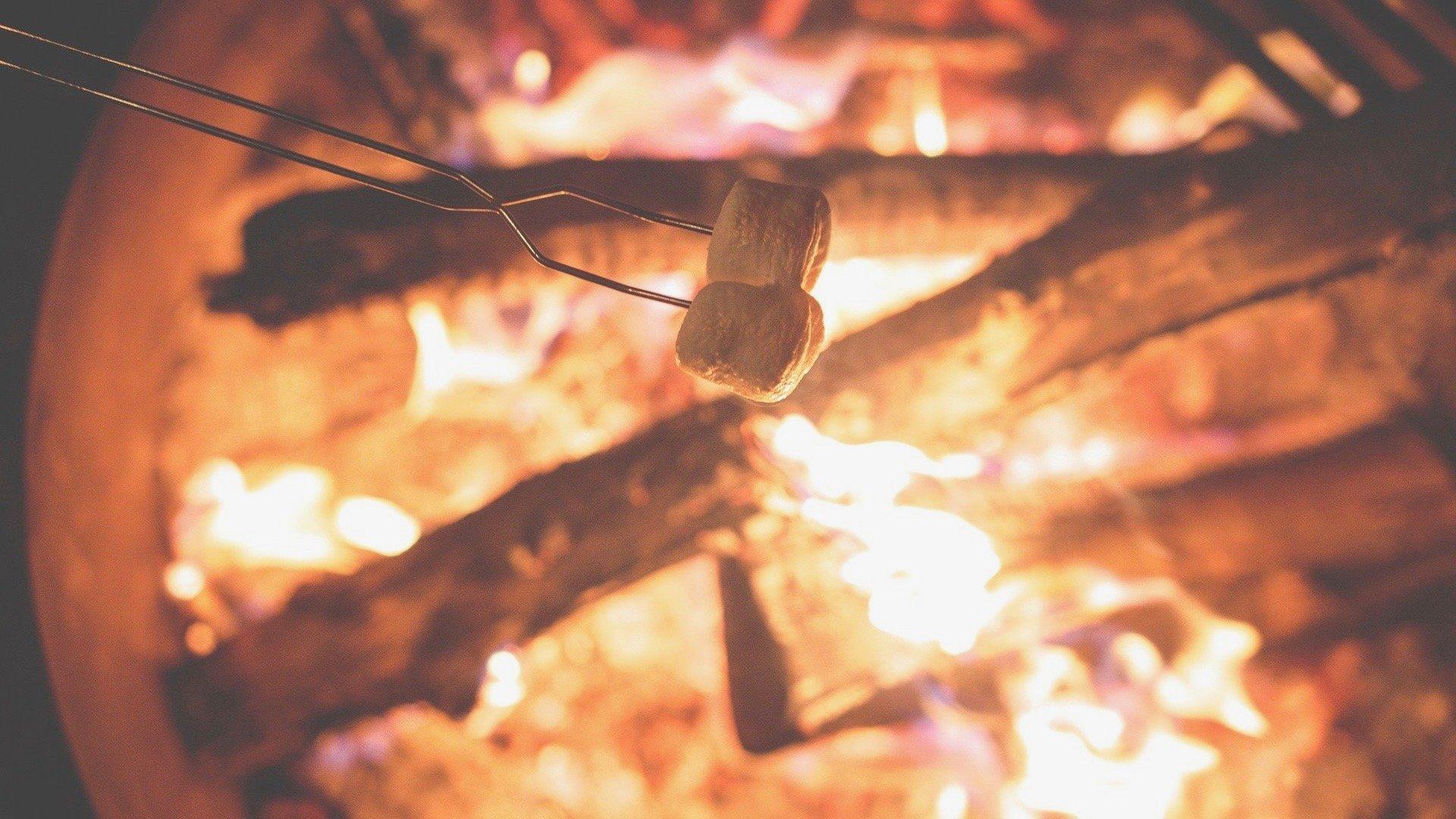 campfire-1031141_1920 2